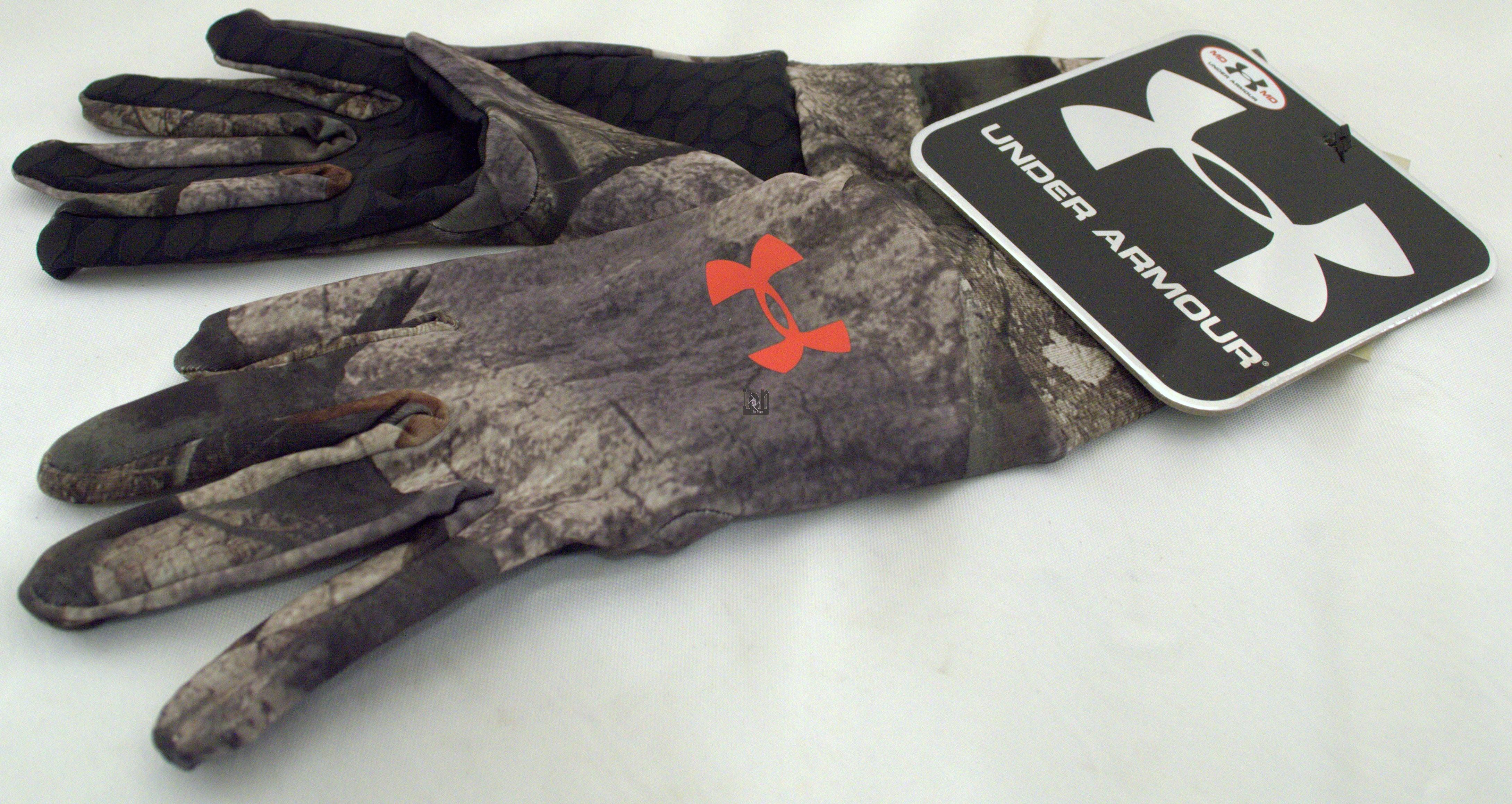 Under Armor Mens Liner Gloves Mossy Oak MEDIUM